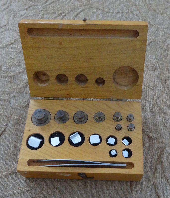 Complete Set 1940-50s Troemner Philadelphia Pharmacy Scale Weights
