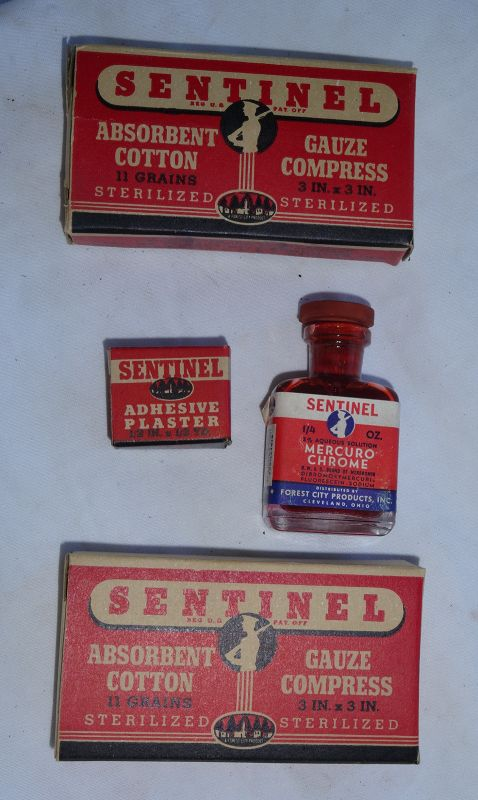 1940s SENTINEL First Aid Kit w/ Great graphics and Complete