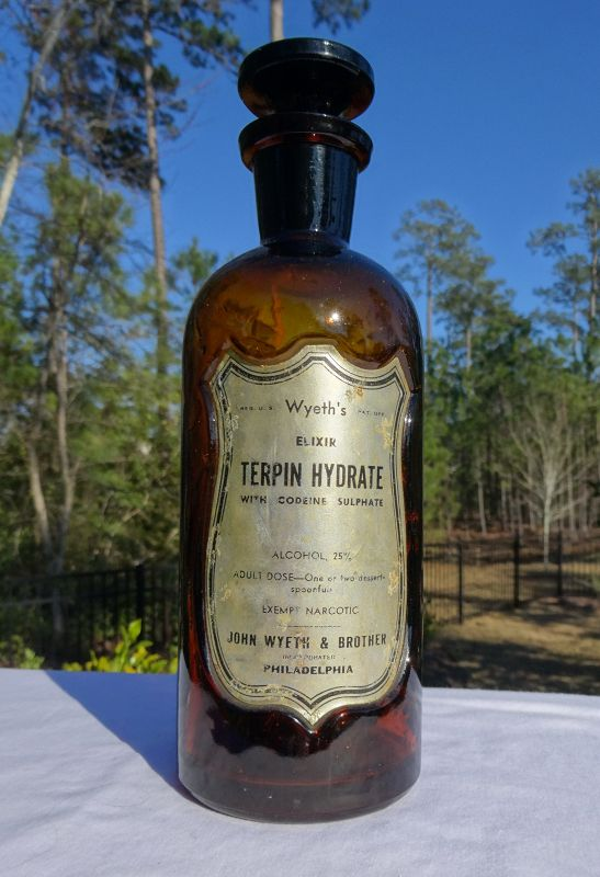 Great Wyeth Apothecary Bottle w/ Shield Label TERPIN HYDRATE w CODEINE