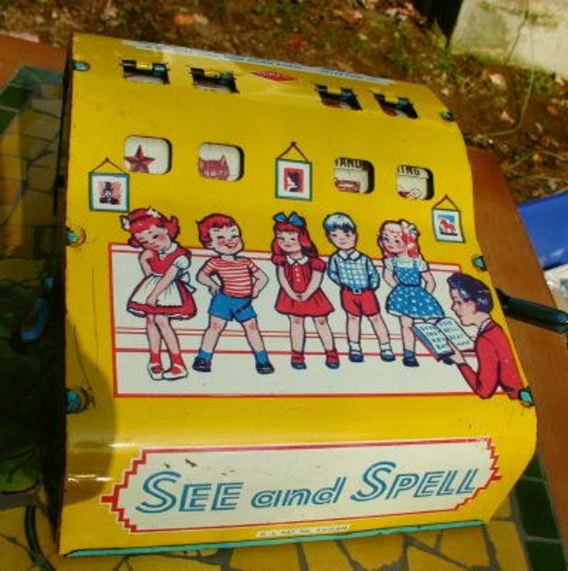 1943 WOLVERINE Tin Lithograph Educational School Toy SEE AND SPELL