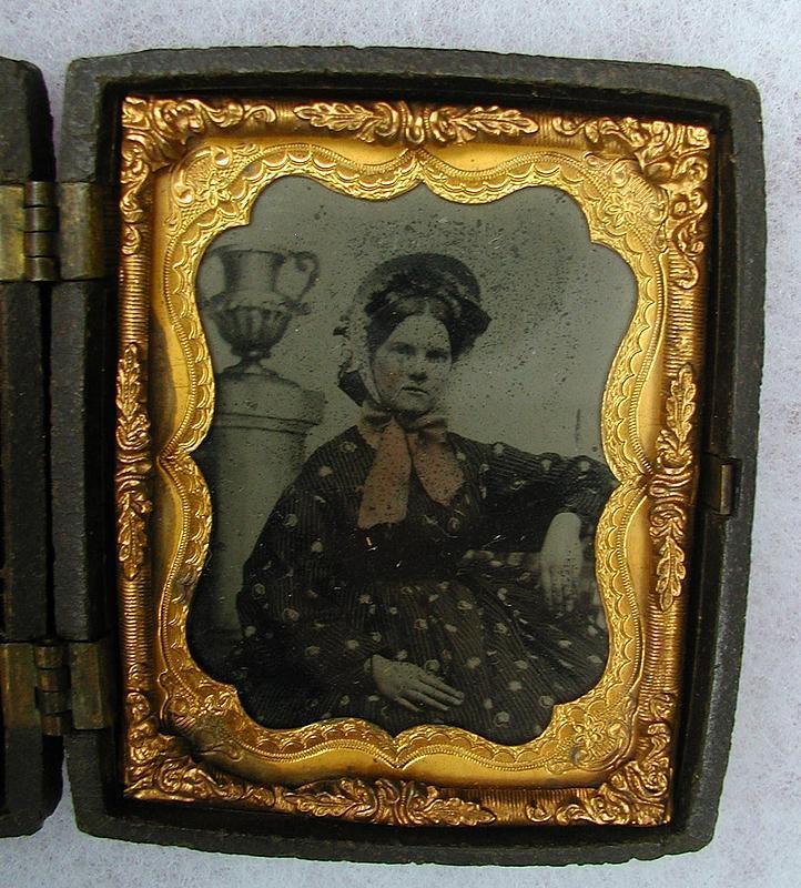 19thC Two Tin Type Photos of Women in Lovely Double Gutta-Percha Case