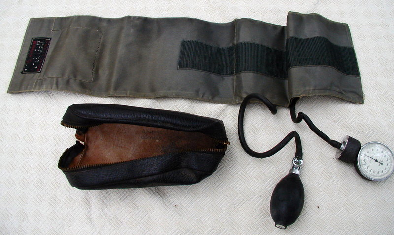 Vintage 1943 era Tycos Blood Pressure Cuff in Leather Case