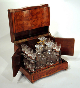 Antique French Burled Walnut Cave-à-liqueur