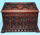 Fine Arts and Crafts Carved Oak Humidor