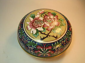 Old Chinese Cloisonne Enamel Round Covered Box