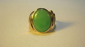 Vintage Lady's Chinese Jadeite 14K Gold Ring Marked