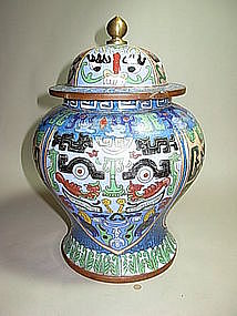 A CHINESE 19TH C.  CLOISONNE ENAMEL JAR