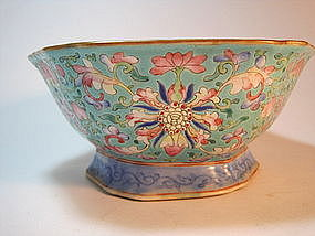 19th C. Chinese Famille Rose Hexagonal Porcelain Bowl