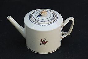 Chinese Export Famille Rose Teapot, circa 1790