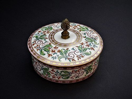 Sevre Style Porcelain Dressing Box, early 20th Century