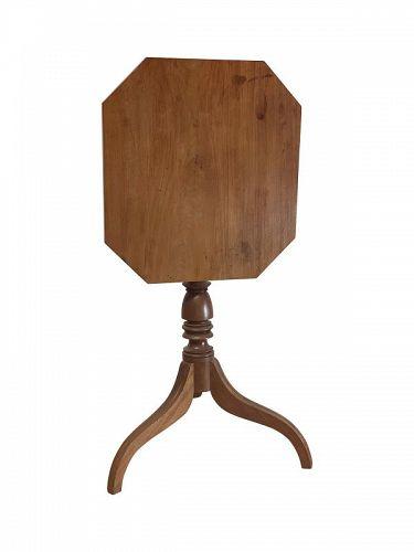 Federal Mahogany Tilt Top Candlestand, PA circa 1825