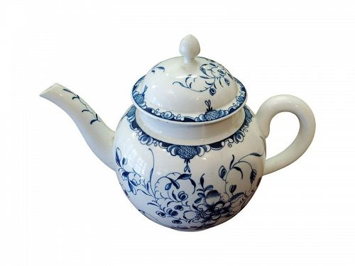 Dr. Wall Worcester Porcelain Punch Pot, circa 1780