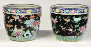 Pair of Chinese Export Famille Noir Cache Pots, 1st half 20th C.