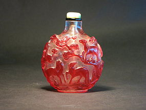 Peking glass   8 horses snuff bottle jadeite  stopper