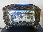 Chinese export lacquer box tea caddy