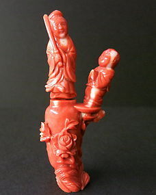 Chines coral figural snuff bottle