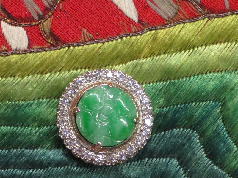 Burma apple green jadeite pendant with diamond