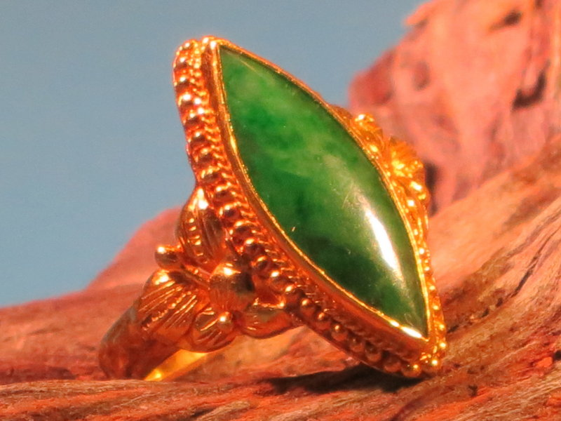 Vintage Chinese jadeite 22k gold ring