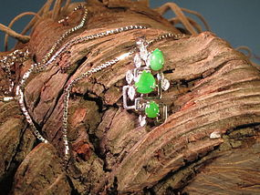 Jadeite diamond pendant necklace with white gold chain