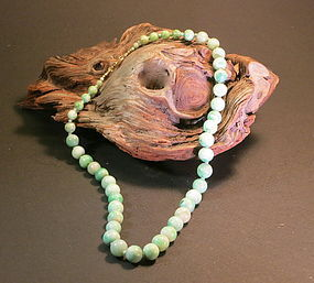 Apple green jadeite beaded necklace