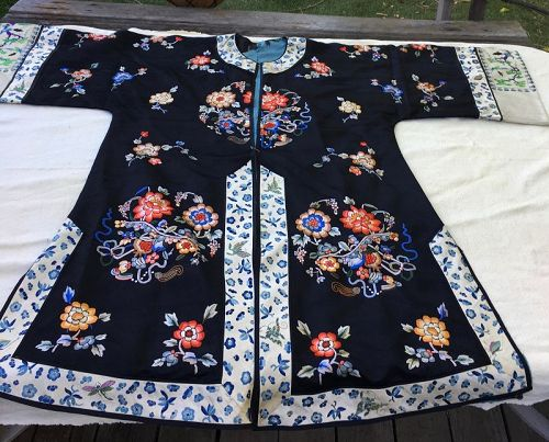 Chinese vintage lady's embroidered  robe