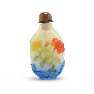 Chinese Polychrome Overlay Glass Snuff Bottle
