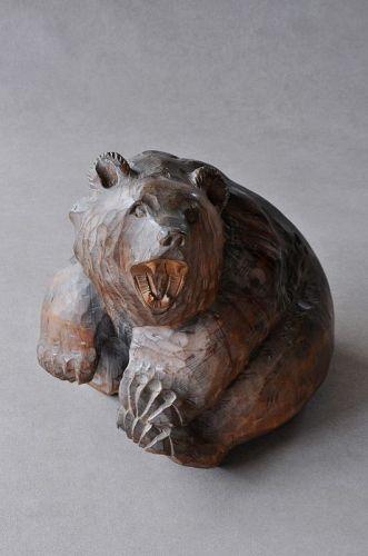 HOWLIN' BEAR