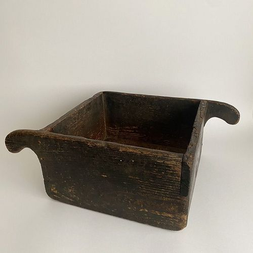 WOODEN HANDLED BOX