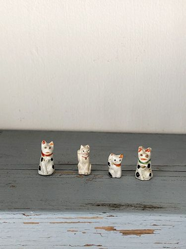 TINY LITTLE BECKONING CATS 4pc.