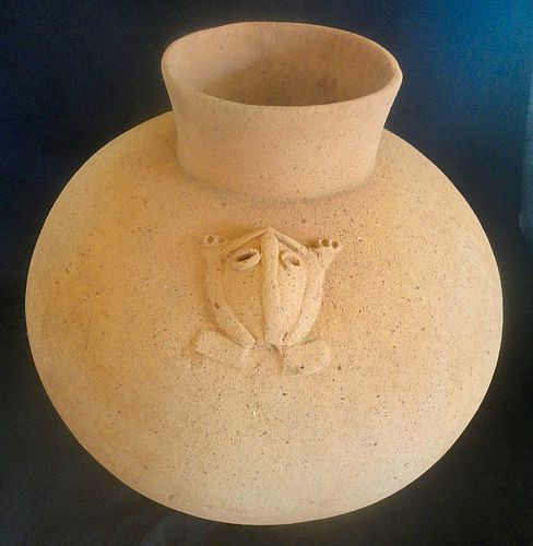 A SUPERB LARGE CHIRIQUI BISQUEWARE OLLA FROM PANAMA