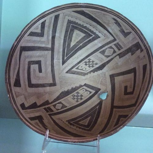 AN INCREDIBLY VISUALLY ORNATE ABSTRACT MIMBRES BOWL
