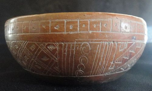 A  DELICATELY INCISED PRE-COLUMBIAN BOWL FROM COSTA RICA
