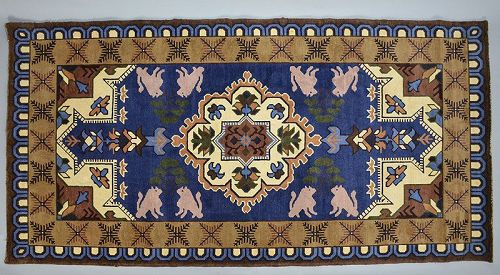 Stunning Ako-Dantsu Carpet with Shishi Lions