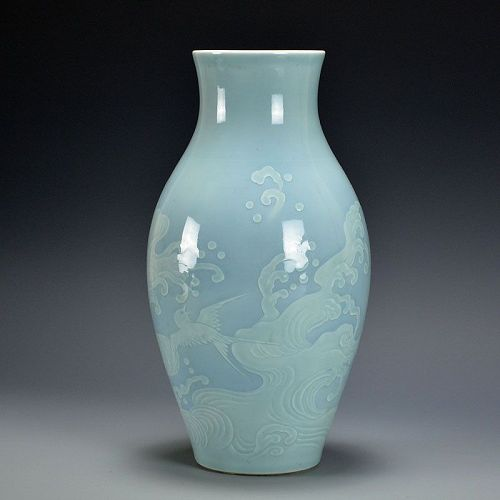 Seifu Yohei Porcelain Vase, Waves and Plovers