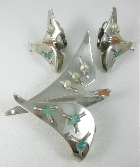 Unusual Chato Castillo Modernist Bird Pin & Earrings