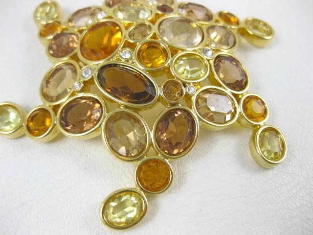 Gorgeous Swarovski Golden Rhinestone Pin