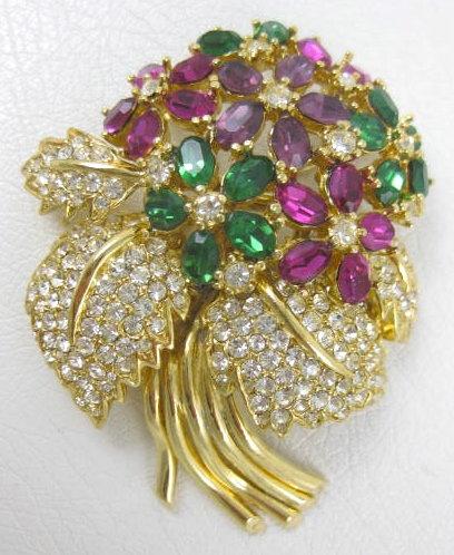 Beautiful Ciner Flower Bouquet Pin