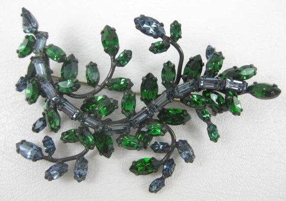 Beautiful Schreiner Rhinestone Pin and Earrings