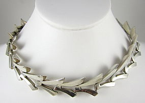 Beautiful Antonio Pineda Sterling Moderne Necklace
