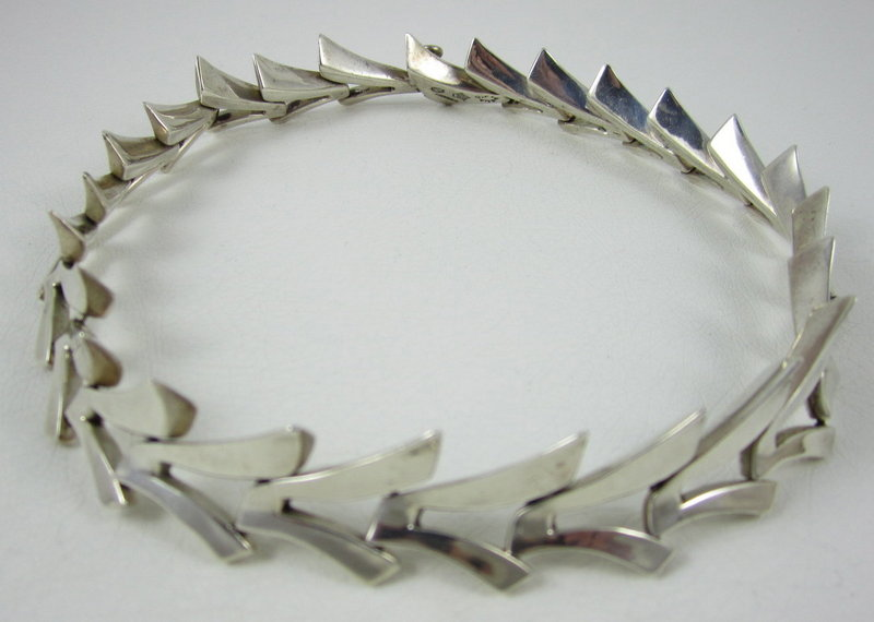 Beautiful Antonio Pineda Sterling Moderne Necklace
