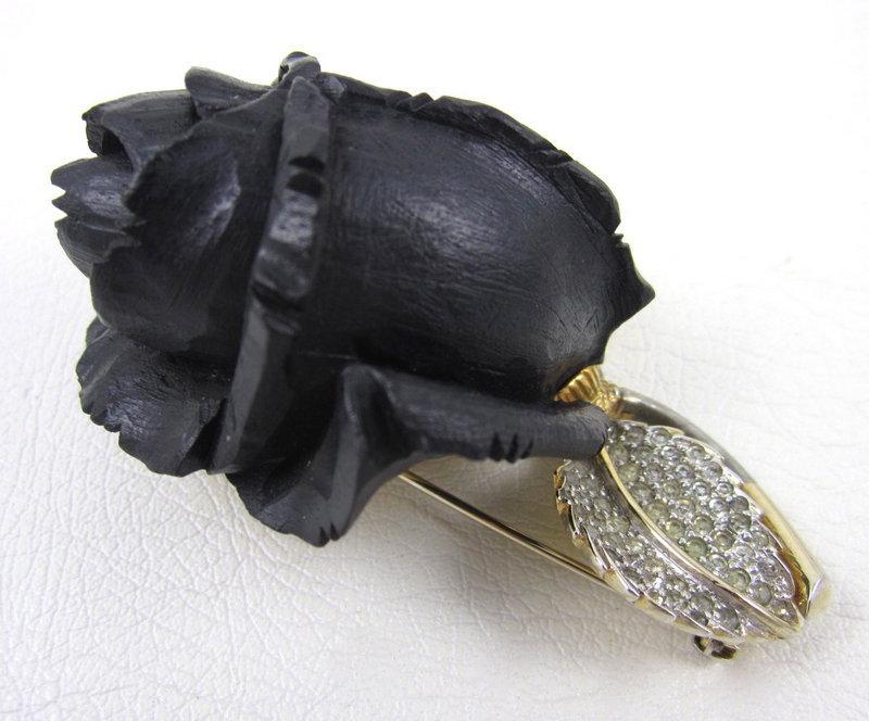 Lovely Nettie Rosenstein Ivory Flower Pin