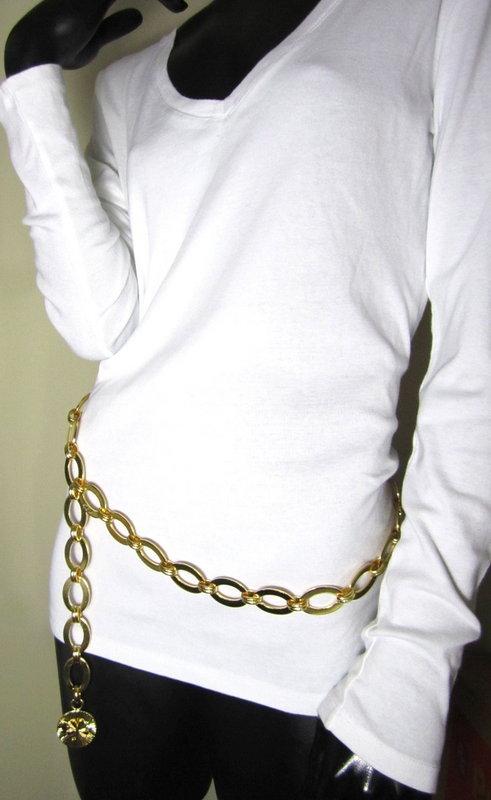 Heavy Chanel Gold Tone Link Belt w/ 4 Leaf Clover