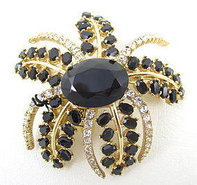 Striking Ciner Black & Clear Crystal Pin