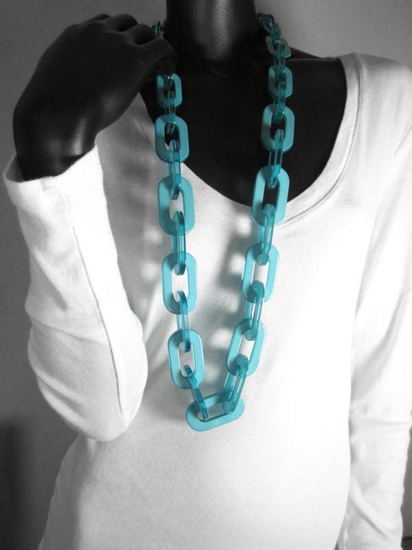 Exquisite Translucent Resin Aqua Link Necklace