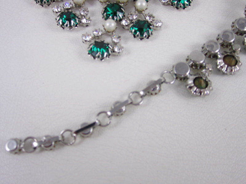 Outstanding Schreiner of New York Emerald Bib Necklace