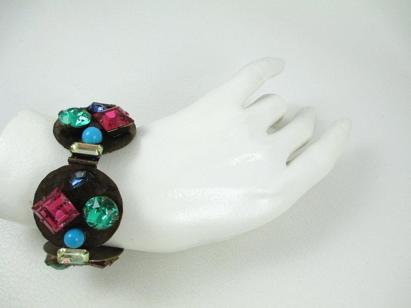 Outstanding Schiaparelli Necklace Bracelet Pin Earrings