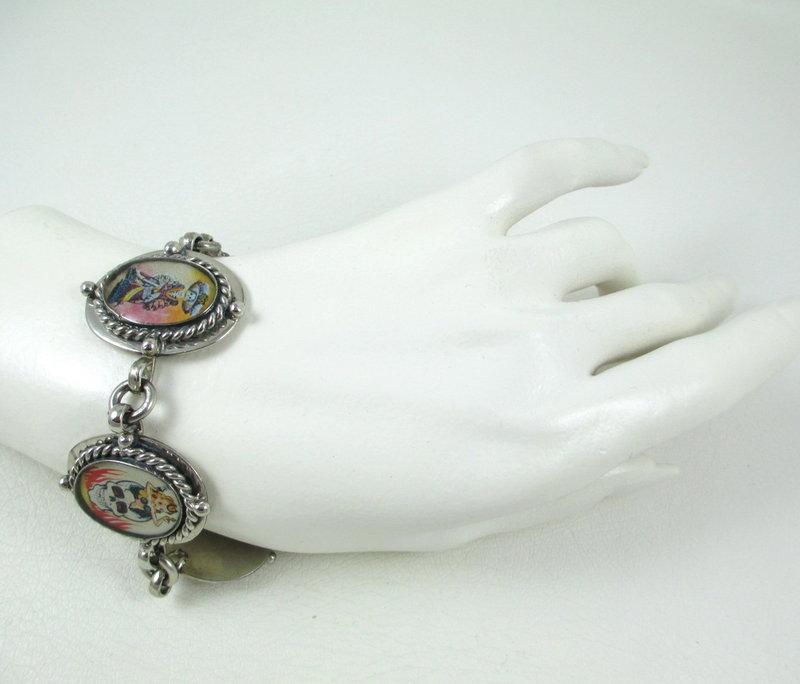"""Unusual """"Day of the Dead"""" Skull & Katrina Bracelet"""