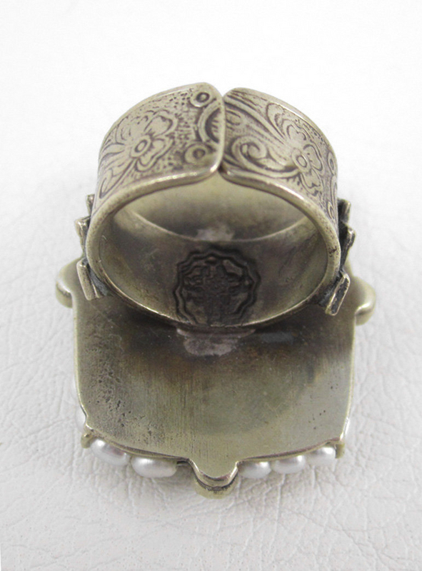 Barbosa Ampáranos Madre (Protect Us Mother) Pearl Ring