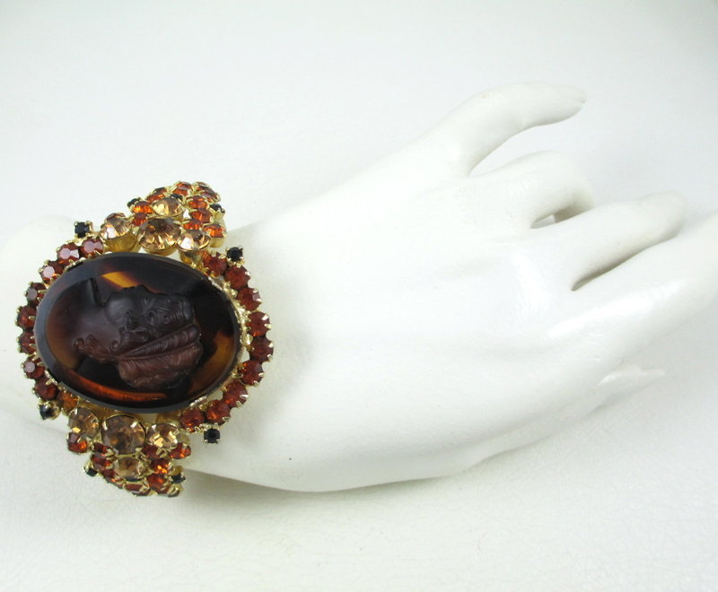 Juliana Delizza & Elster Art Glass Cameo Bracelet