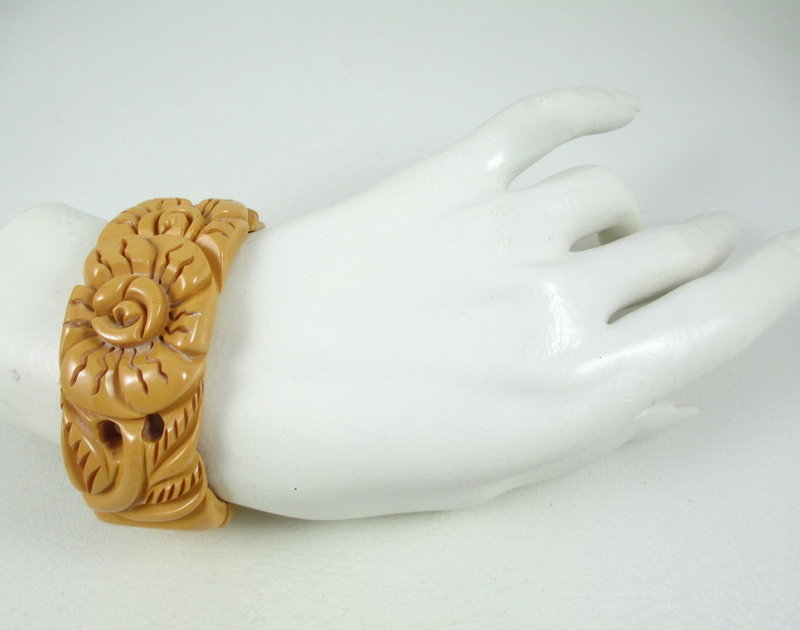 Floral Carved Cream Corn Bakelite Clamper Bracelet